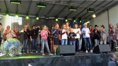 Ines Schuhmoden Modenschau Stadtfest 2018 Nr. 4 Schlussbild